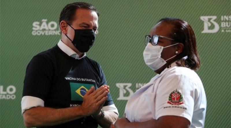 Vacinas aprovadas no Brasil: afinal, quem pagou pela CoronaVac?