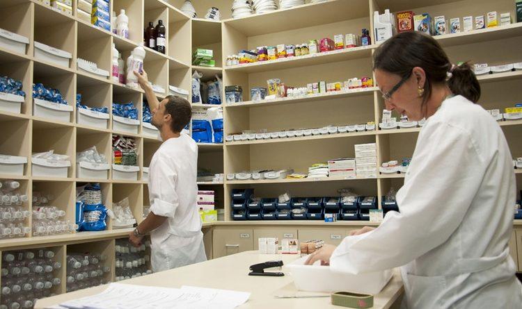 CRF quer inclusão de farmacêuticos em grupo de saúde para vacinação no AM